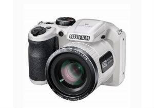 Теперь фотоаппарат Fujifilm FinePix S4800 продается в комплекте с аксессуарами по акционной цене