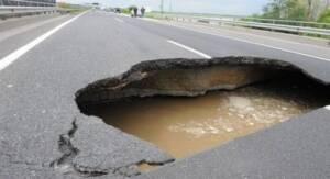 Штрафы за разрушение дорог хотят увеличить в три раза