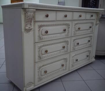 В продаже новая мебель МДФ на заказ, покрытая пленкой с ручным патинированием