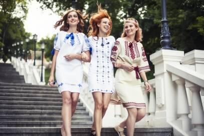 """Сучасний одяг в українському стилі від """"Ярина"""""""