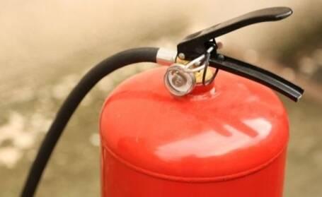Пропонуємо порошковий івуглекислотний вогнегасник підвищеної безпеки в машину!