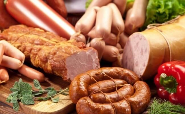 Купить колбасу от производителя предлагает ООО ПКП Прилуки-Агропереработка