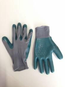 В продажі рукавиці для чищення риби