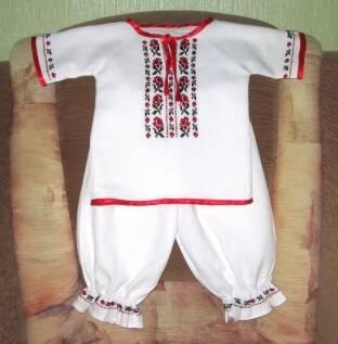 У наявності вишиті сорочки та вишиті набори для Ваших малюків!