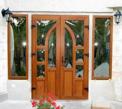 Моллирования стекла: бизнес-идея для дверей
