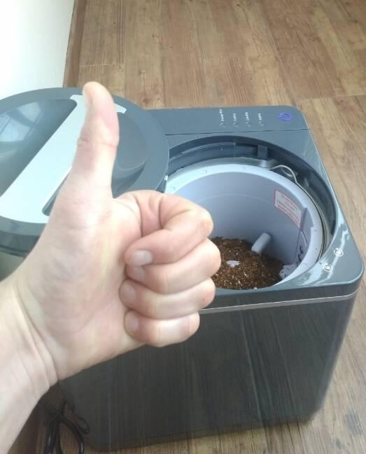 Досі маєте сумнів з приводу переробки харчових відходів вдома? Гадаєте це займає багато часу та ще супроводжується неприємним запахом?