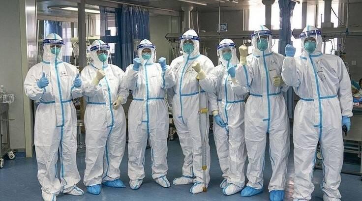Не повторюйте наші помилки: лікарі з КНР розповіли, як перемогти коронавірус в Європі