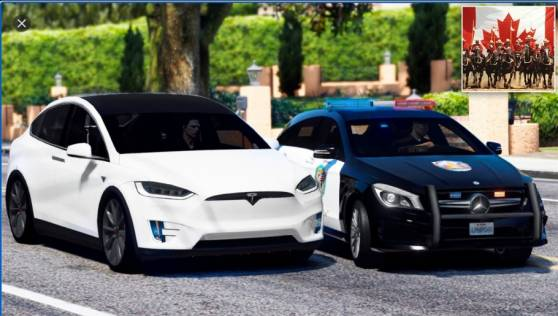 В Канаде автопилот Tesla пробовал убежать от полиции