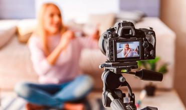 Яку техніку варто купити відеоблогеру: підбираємо оптимальний стартовий комплект