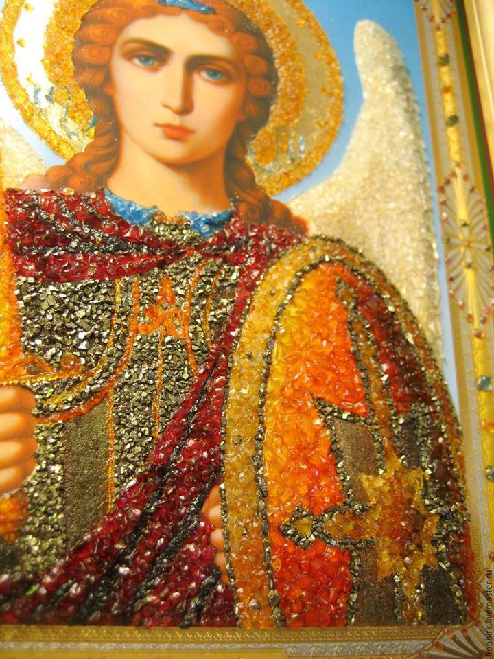 Иконы из янтаря (фото)