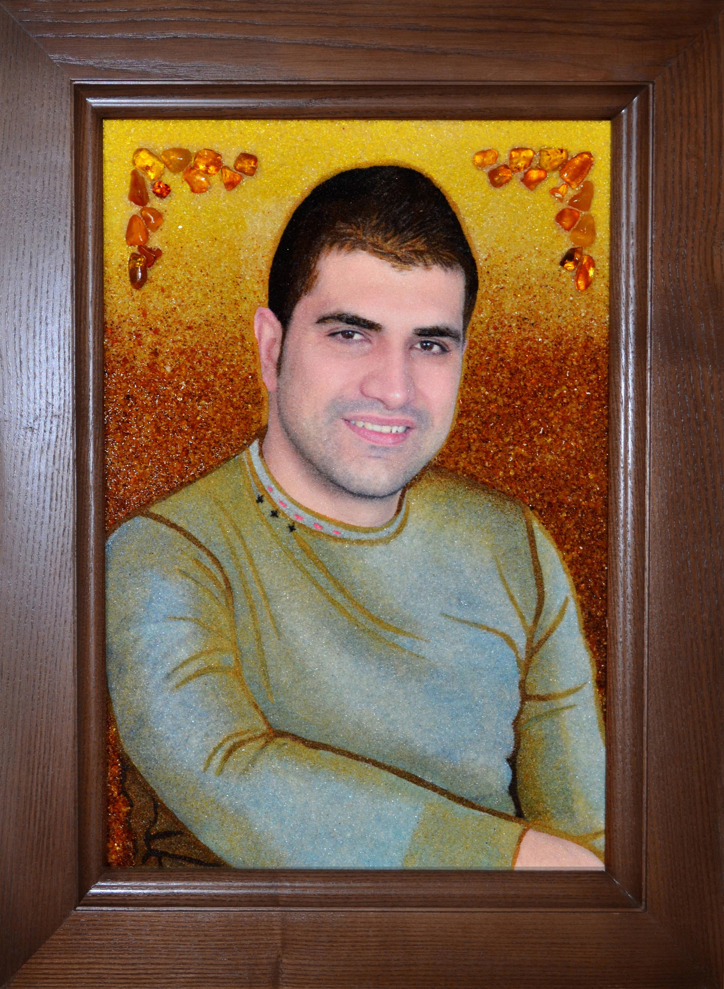 Замовити портрет із бурштину у Луцьку (фото)