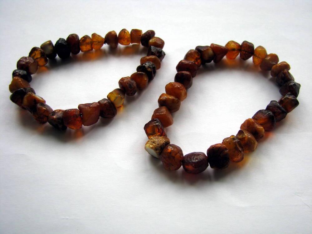 Браслеты из янтаря лечебные