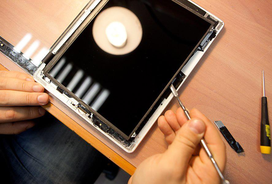 Замена сенсора на телефоне, планшете (Львов) - Заказать ремонт - Ремонт мобильных телефонов, ноутбуков, планшетов во Львове - Се